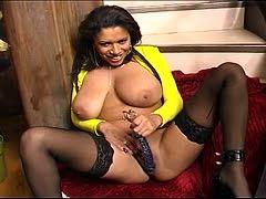 Claudia Maria fickt schwarzen Schwanz