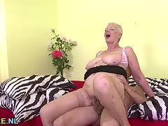 Hardcore-Sex mit Mama